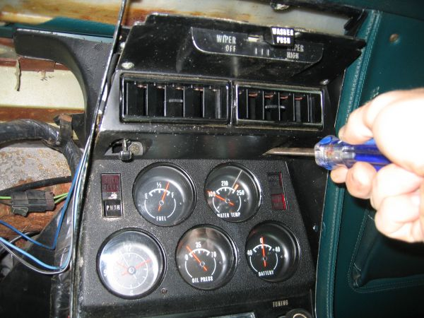 center console removal the corvette restoration page. Black Bedroom Furniture Sets. Home Design Ideas